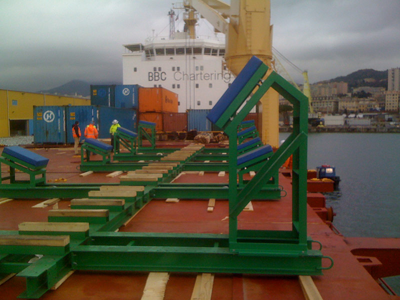 full-displacement-shipping-cradle