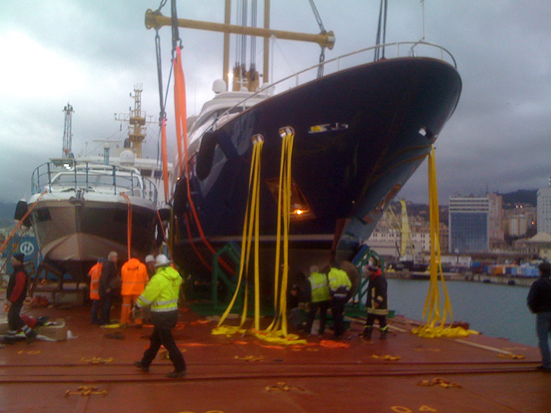 shipping-yachts-from-genoa